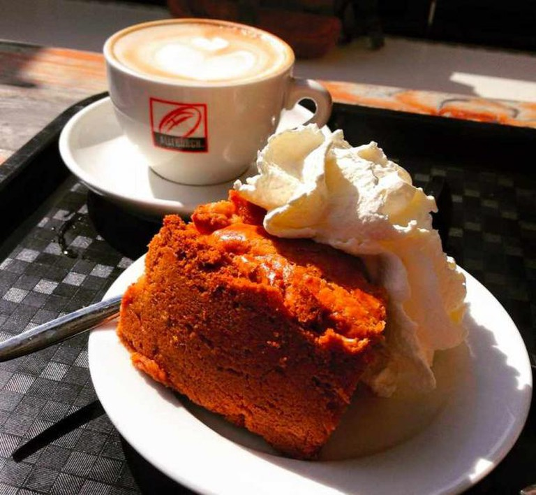 Enjoy your apple pie with a coffee and some sunshine