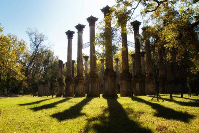 The Windsor Ruins, near Port Gibson, Mississippi | © Rob Shenk/Flickr