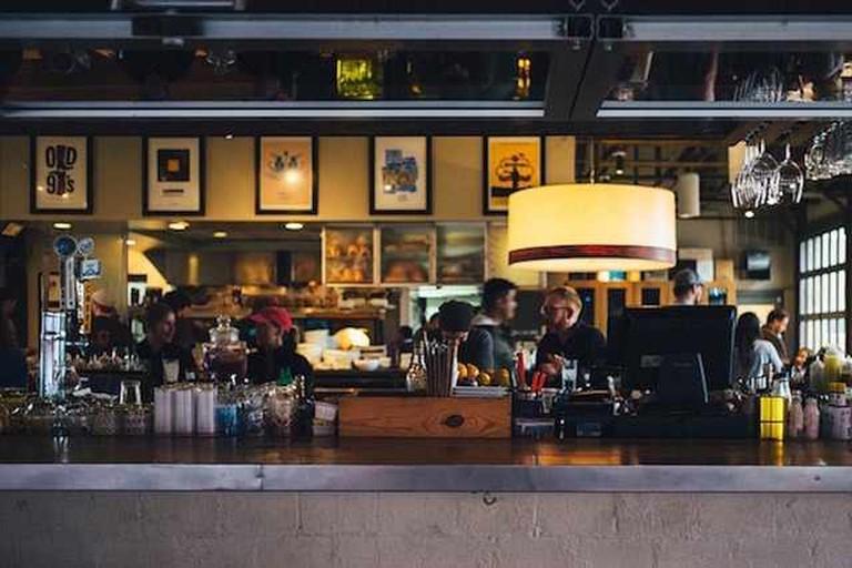Unsplash, Restaurant Bar Counter People | Courtesy Pixabay