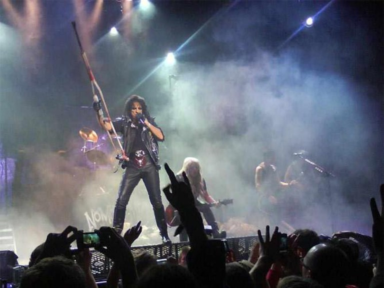 Alice Cooper Performing 'School's Out' on the No More Mister Nice Guy Tour