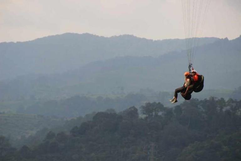 Paragliding I Courtesy of Sarine Arslanian