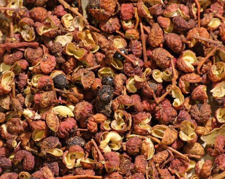 Sichuan pepper used in many Sichuan dishes | © Sage Ross/WikiCommons