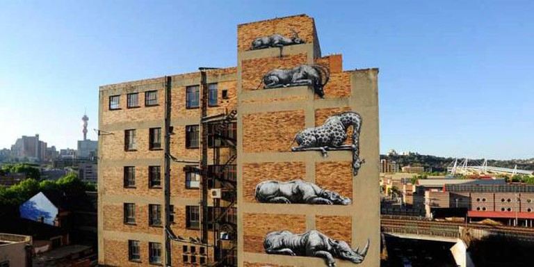 'Animals in Zoos' by ROA| © Demiliked/Wikicommons