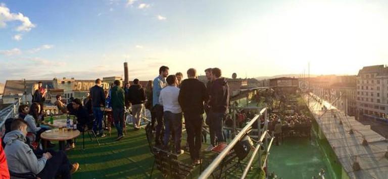 Corvintető Rooftop Terrace | © Corvintető