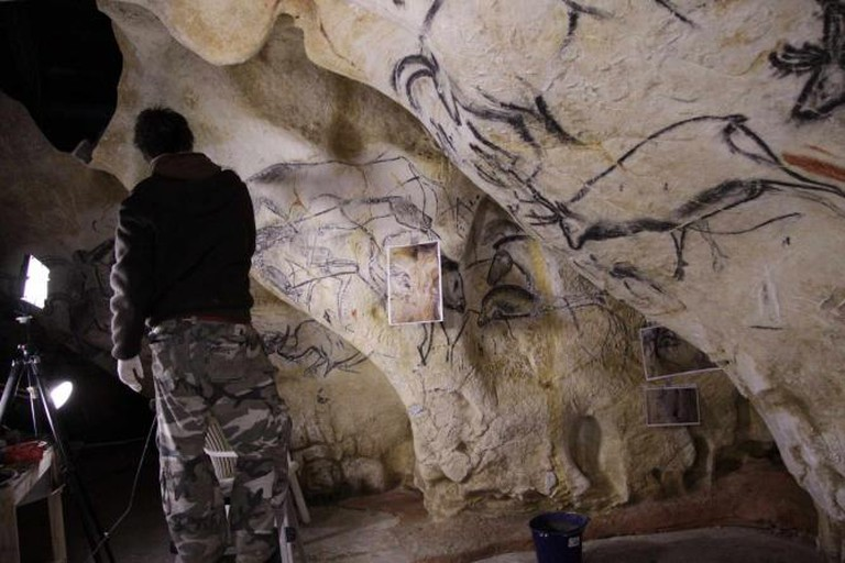 Artistic replication of paintings in Caverne du Pont-d'Arc | © Metronews Toulouse/Flickr