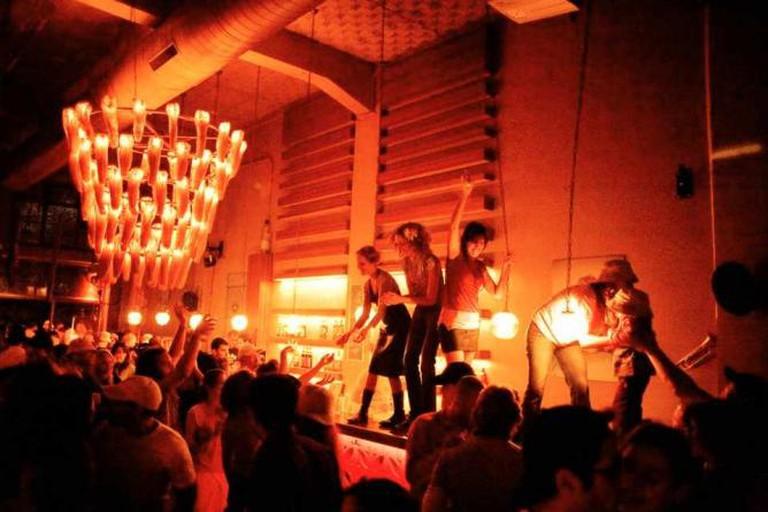 Evening at Saloona | © Saloona Art Bar