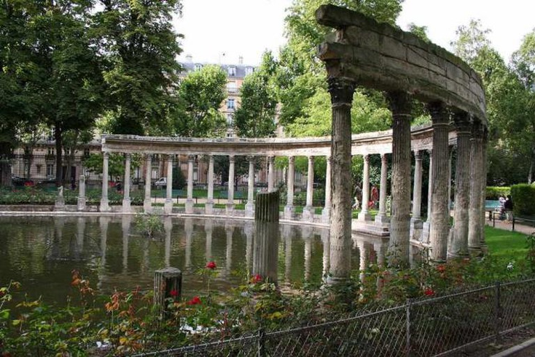 Parc Monceau's Corinthian pillars