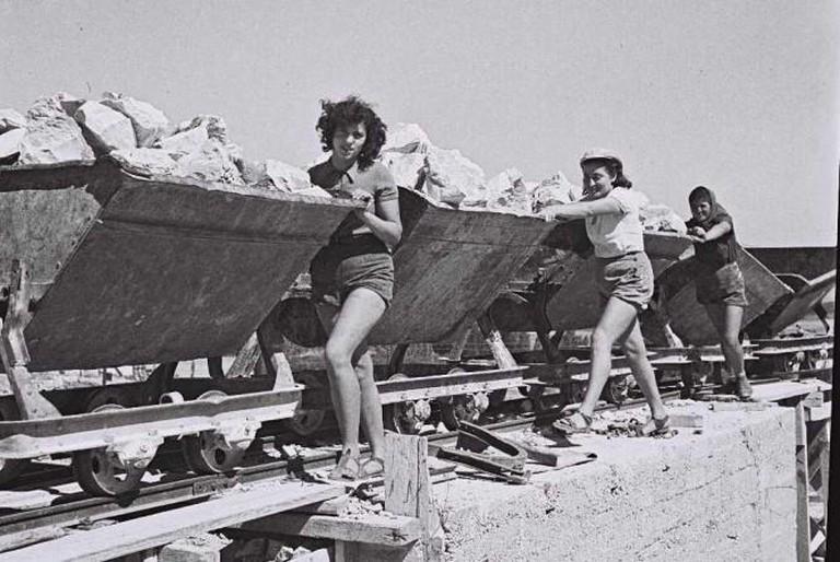 Ein-Harod Kibbutz Members (1941)