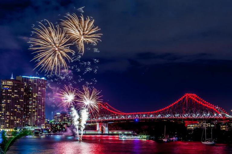 Fireworks from Eagle Street Pier   © Andrew Sutherland/Flickr