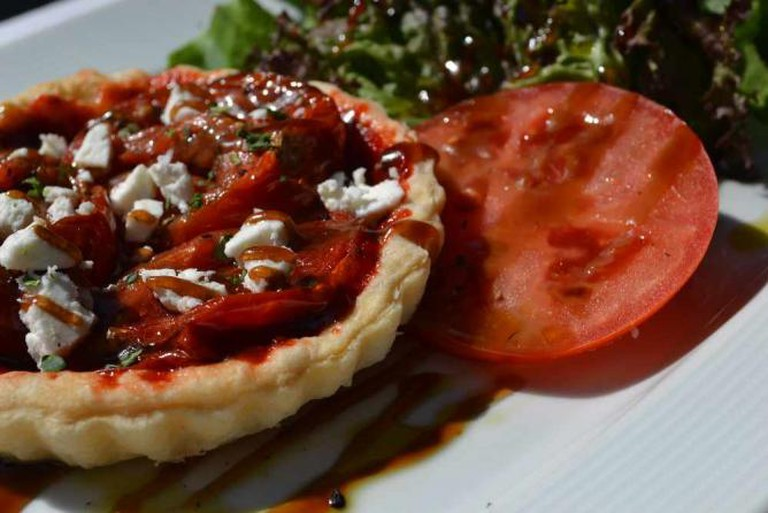 Tomato & Cheese tart | Courtesy of Rojo Bistrot