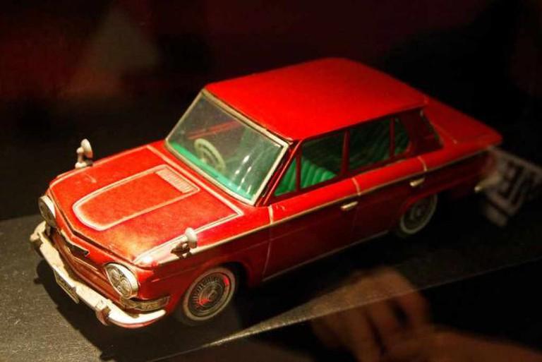 Antique Toy Car | © DennisWong/Flickr