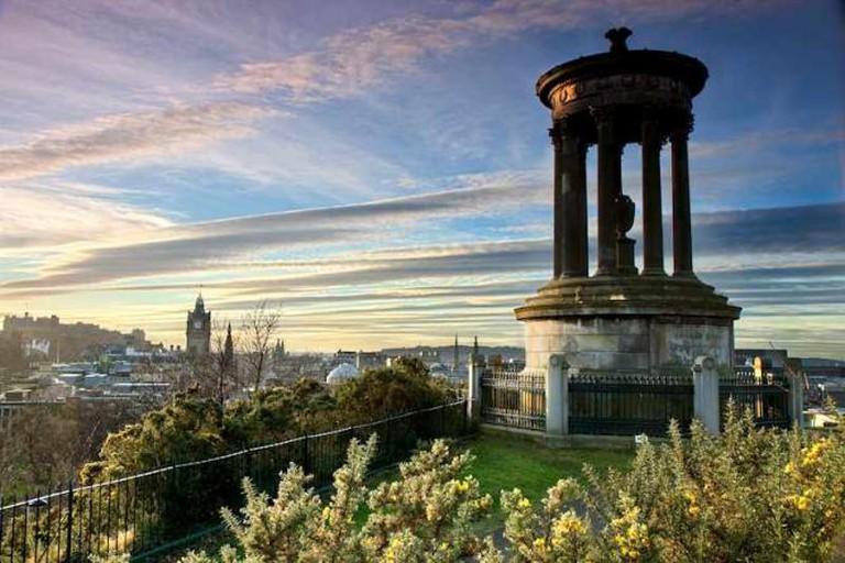 Calton Hill | © Andrewyuill/WIkiCommons