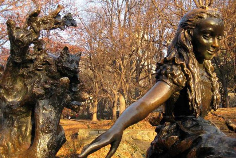 José de Creeft's Alice in Wonderland Sculpture in Central Park, New York|© Wally Gobetz/ Flickr