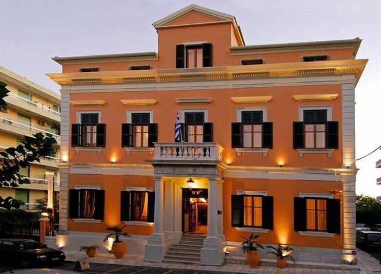 Bella Venezia exterior | Courtesy of Bella Venezia