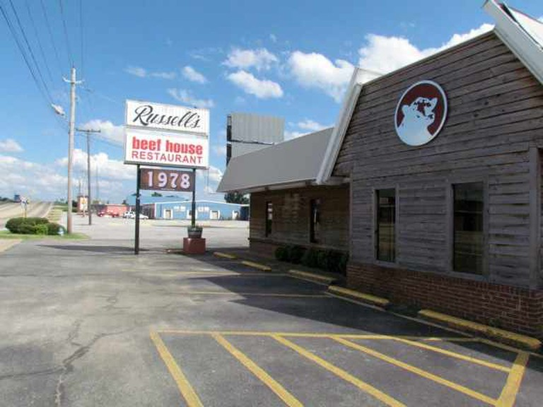 Russell's Beef House Exterior | Courtesy of Russell's Beef House