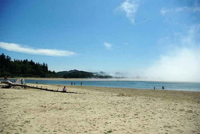 Siletz Bay, Lincoln City, Oregon | © M.O. Stevens/WikiCommons