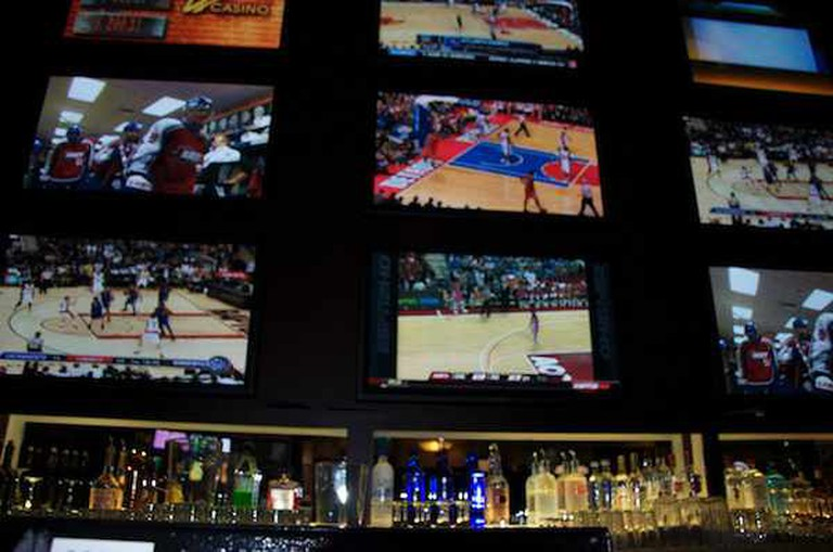 Sports Bar Televisions | ©Danny Miller/Flickr