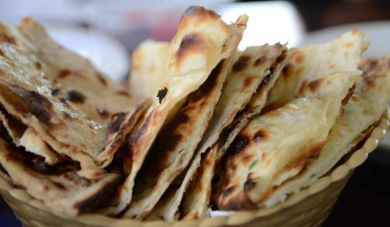Naan bread | © alpha/Flickr