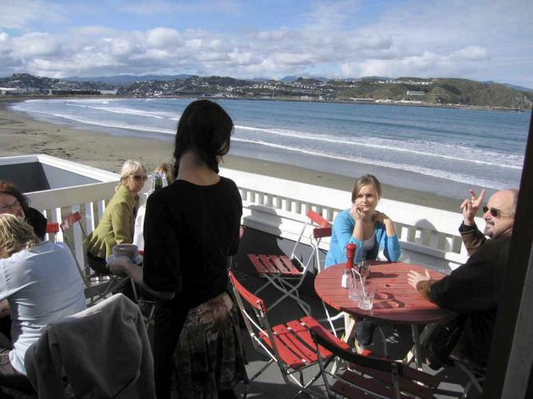 Seaside views at Maranui © Andrew Currie/Flickr