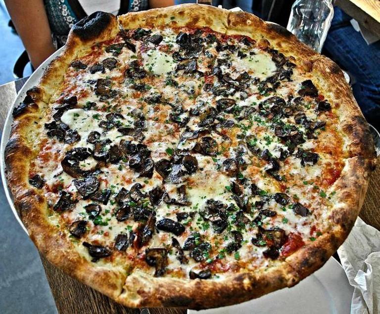 Gioia Pizza | ©FuzzyTraveler/Flickr