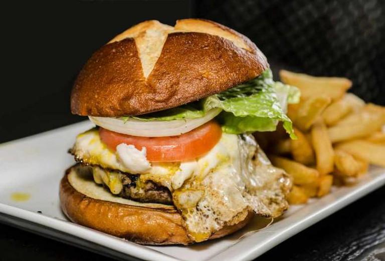 Burger | © Kurman Communications Inc./Flickr