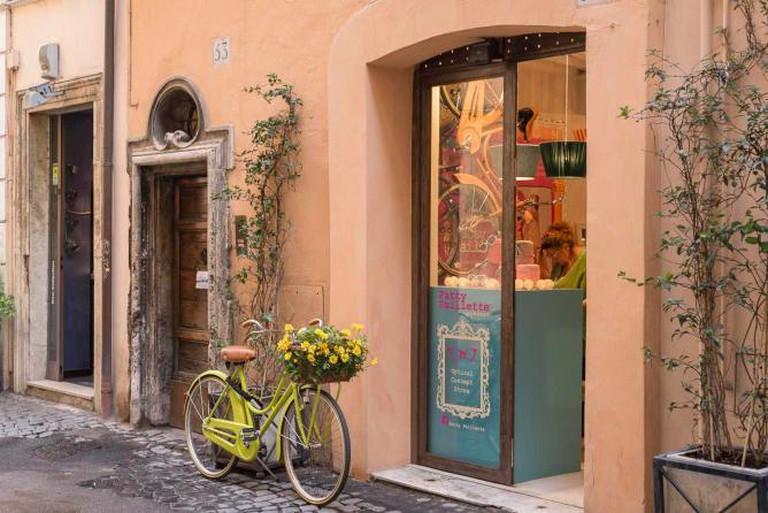A pretty bicycle parked on Via dei Coronari