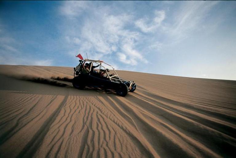 Ica desert | © Walter Hupiu