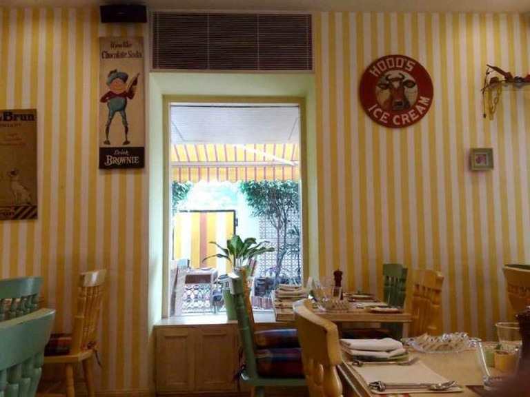 Yellow Brick Road Restaurant | © Satish Krishnamurthy/Flickr