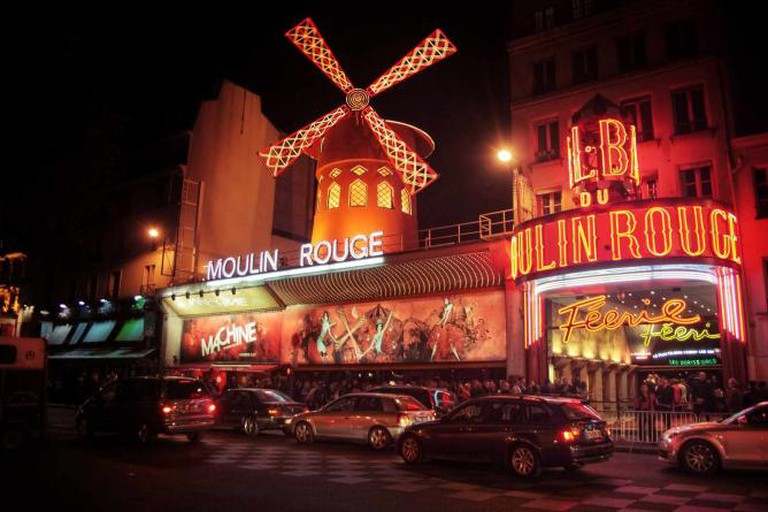 The Moulin Rouge |© Juanedc/ Flickr