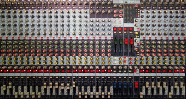 Recording console | © Dennis Hill/Flickr