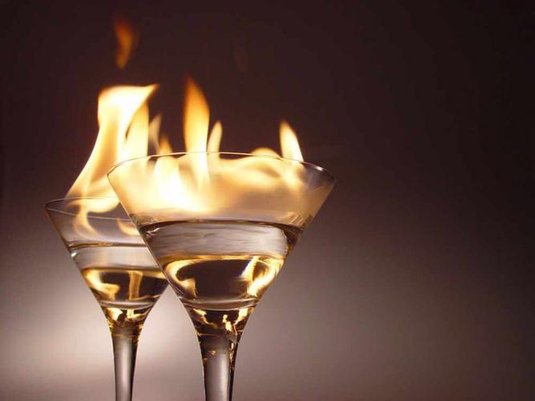 Flaming cocktails | © Nik Frey/WikiCommons