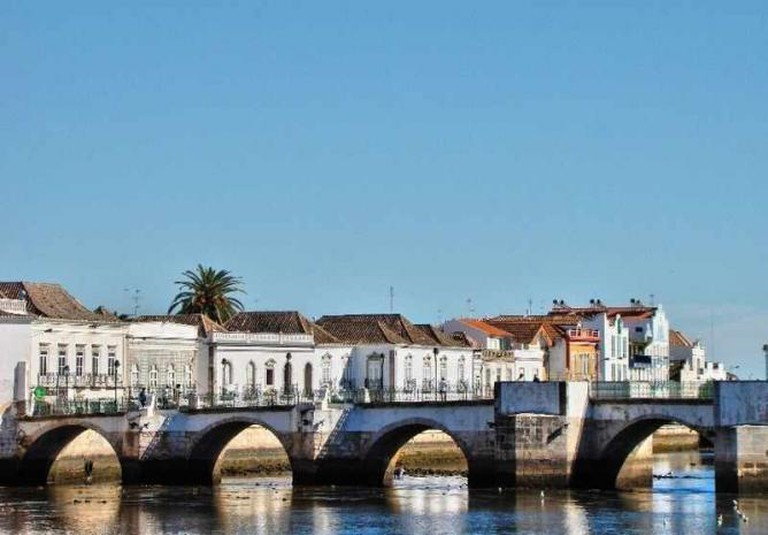 Tavira's Moorish-built Roman Bridge | © Lacobrigo/Wikicommons