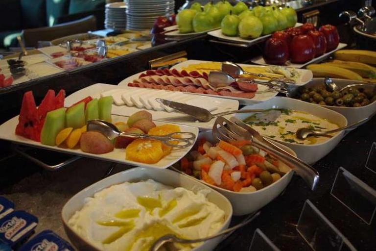 Breakfast buffet | © Matt@PEK/WikiCommons