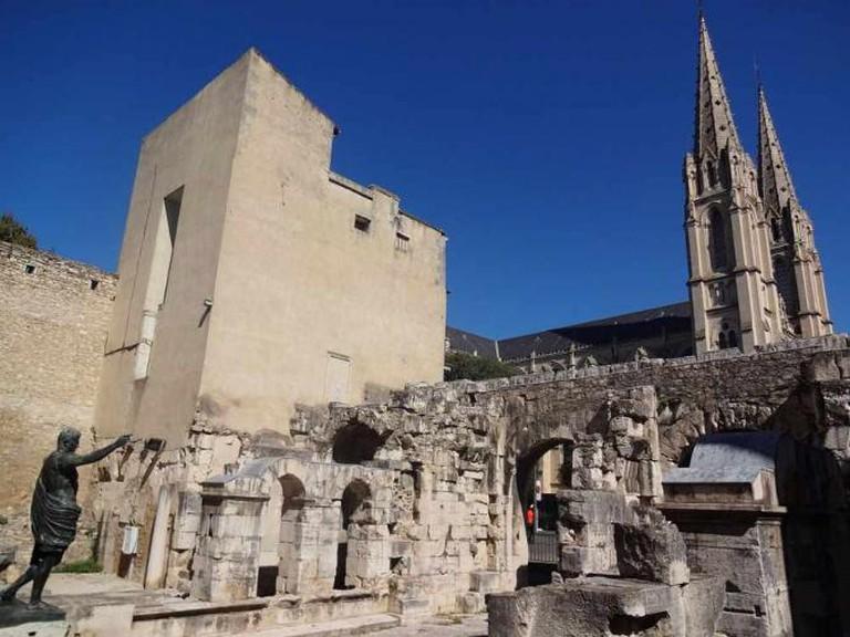 Porte d'Auguste and Eglise Saint-Baudile
