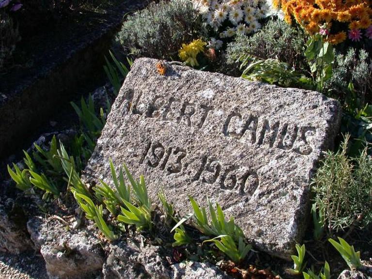 Albert Camus' tombstone in Lourmarin, France| © Wpopp/WikiCommons