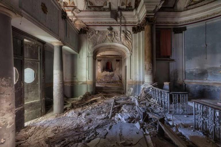 An Abandoned Chapel, Italy | © Martino Zegwaard