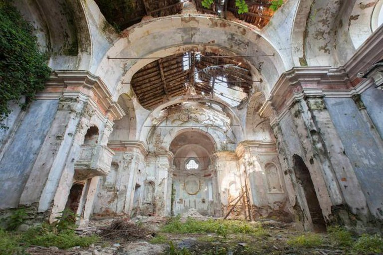 Abandoned Church, Italy | © Martino Zegwaard