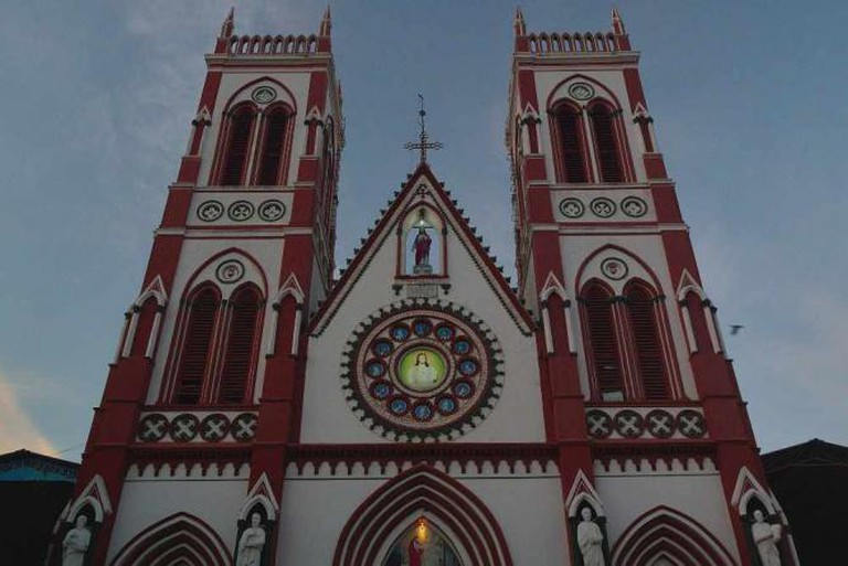 Basilica of the Sacred Heart of Jesus, Pondicherry