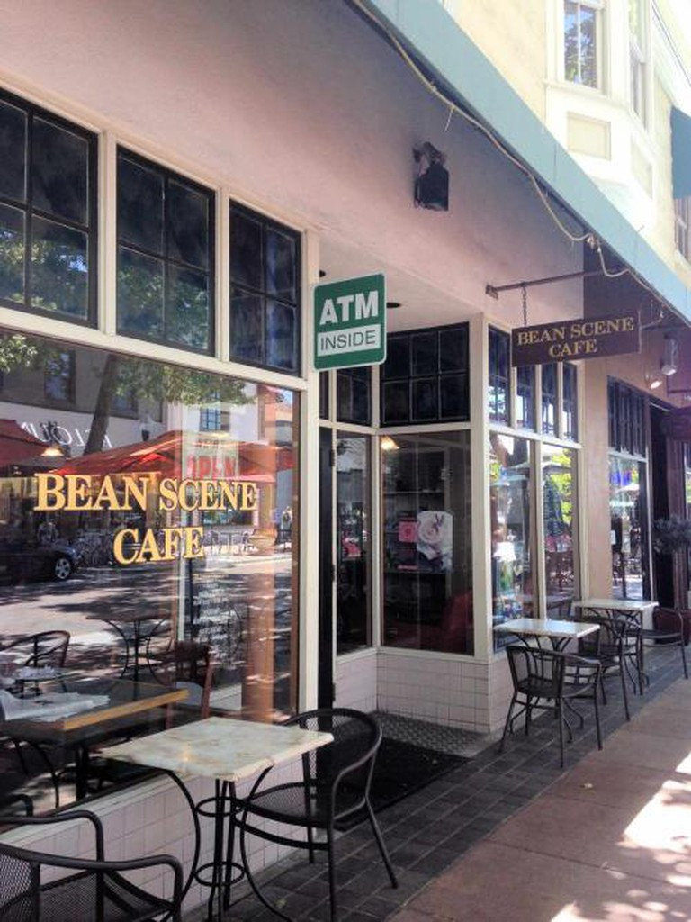 Bean Scene Cafe |© Stan Rezaee