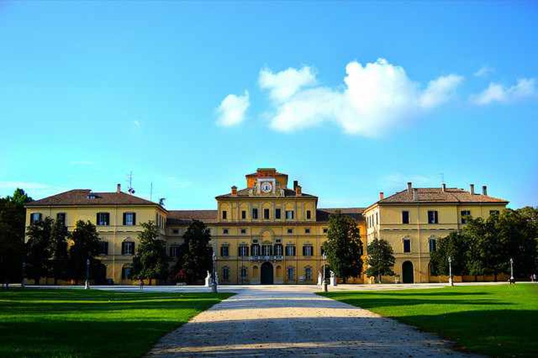 Parco Ducale and Palazzo Ducale | © Antonio Di Mauro/Flickr
