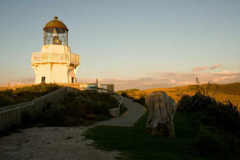 Manukau Heads Lighthouse © russellstreet/Flickr