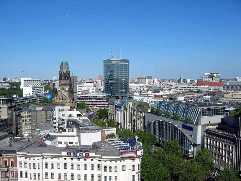 View of Europa-Center from Kurfürstendamm | © Aazarus/WikiCommons