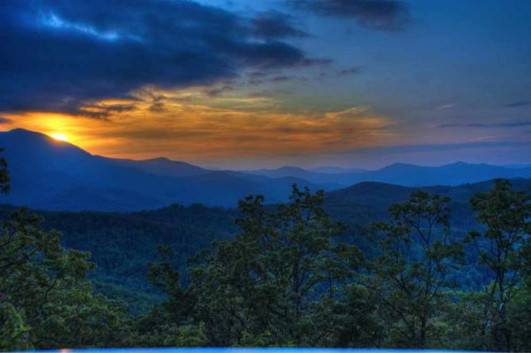 Sunset-Blue Ridge Mountains | © Tim Hamilton/Flickr