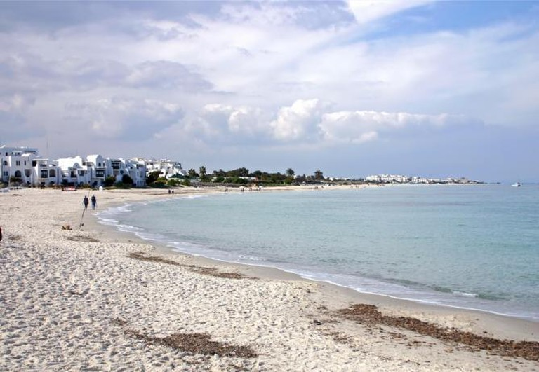 Tunisian beach | © Tony Hisgett/Flickr