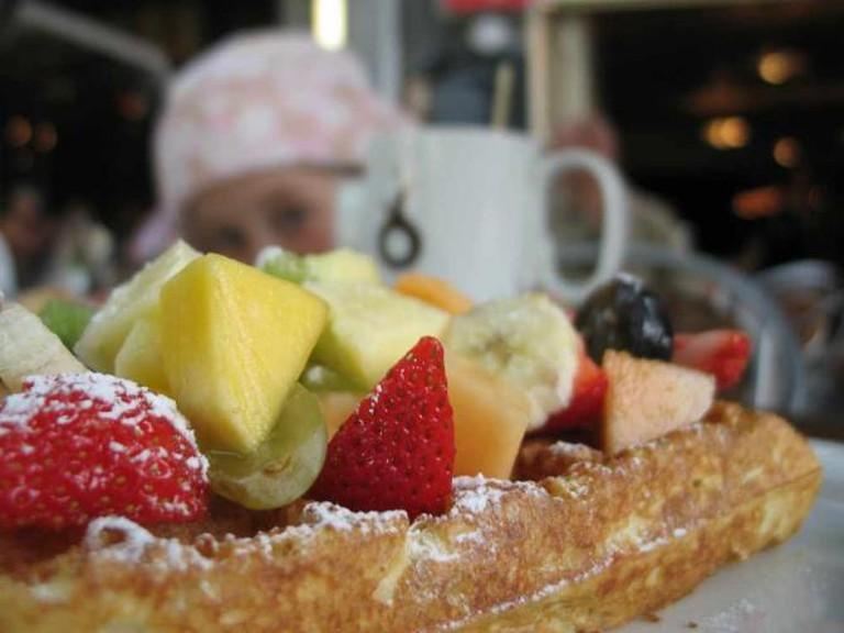 Fruity Belgian Waffle | © clappstar/Flickr