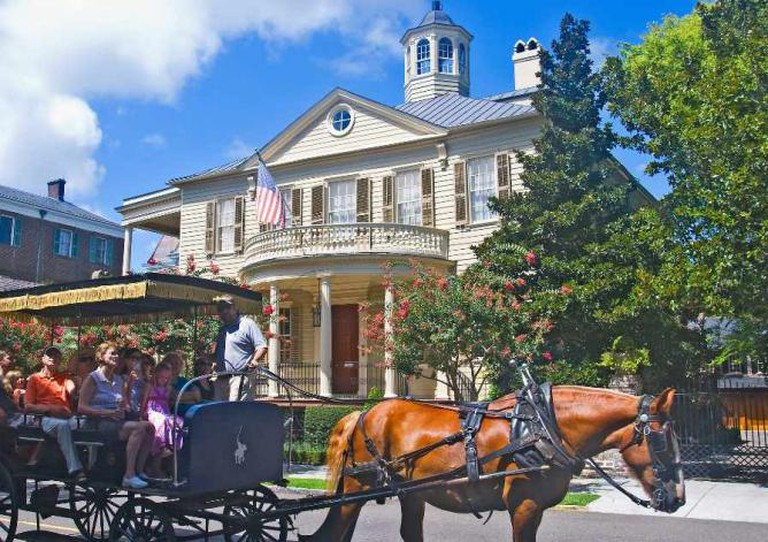 Carriage Ride on Meeting Street | © Ron Cogswell/Flickr