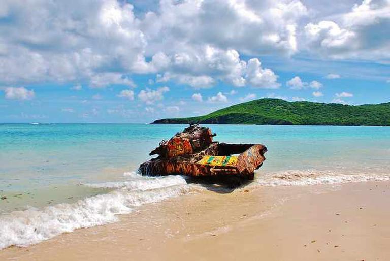 Tank on Flamenco Beach | © Angel Xavier Viera-Vargas/Flickr