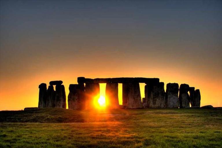 Sunset at Stonehenge | © Simon Wakefield/Flickr