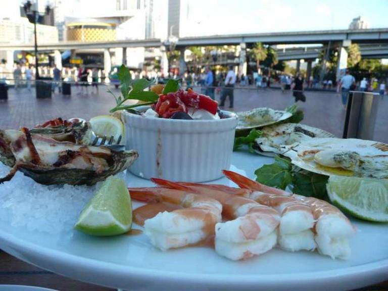 Seafood on Darling Harbour | © littleyiye