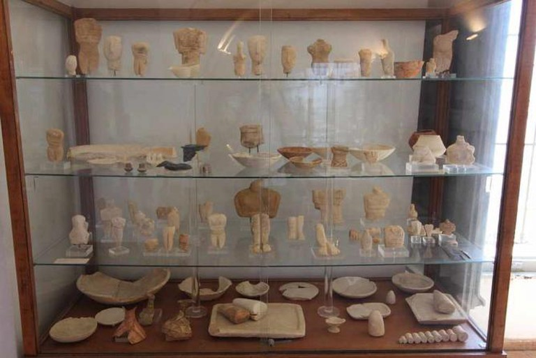 Cycladic collection, Archaeological Μuseum of Naxos | © Tilemahos Efthimiadis/WikiCommons